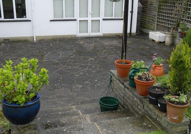 Domestic patio - Cheam